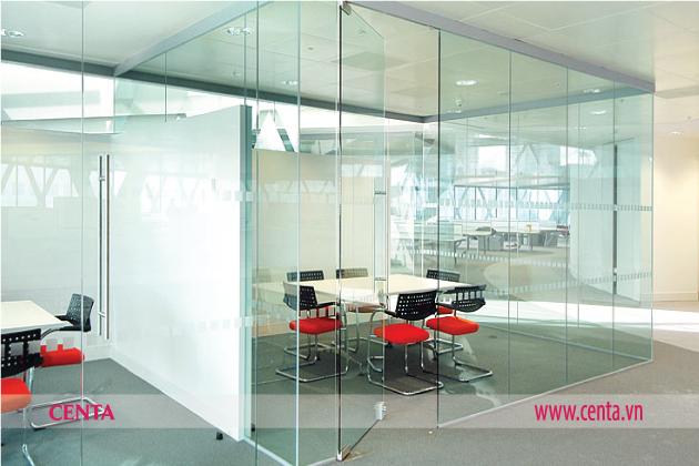 Vật liệu trang trí nội thất sử dụng vách kính văn phòng