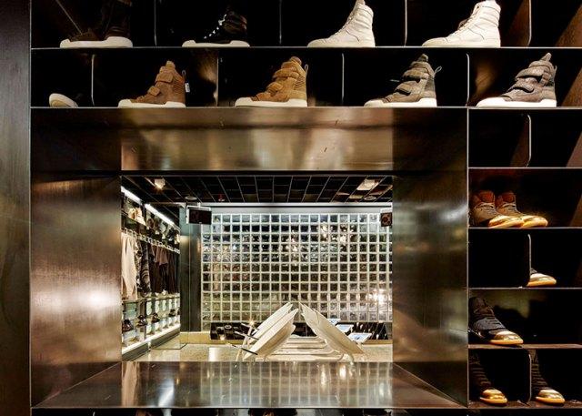 07-thiet-ke-noi-that-showroom-cua-hang