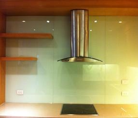 Mẫu-kính-mầu-trắng-xanh-ốp-bếp  www.centa.vn