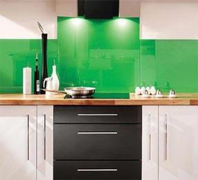 Mẫu-kính-mầu-xanh-lá-cây-ốp-bếp  www.centa.vn