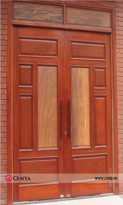 Cửa đi chính 2 cánh đơn giản, khuôn cửa nhỏ