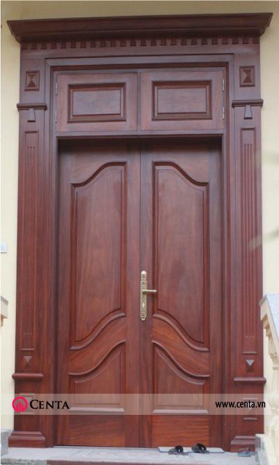 Mẫu cửa 2 cánh pano lớn có phào chỉ tân cổ điển nhẹ