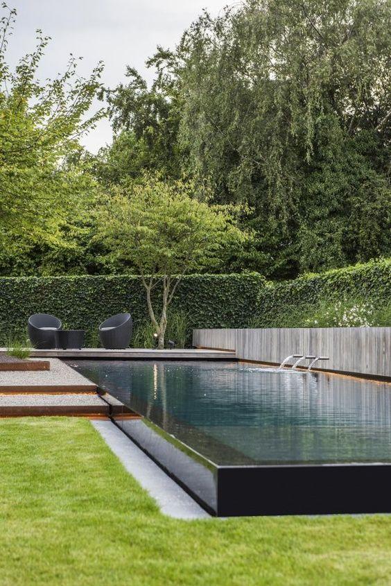 Thiết kế bể bơi và trồng cây biệt thự vườn