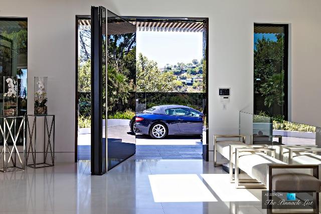013-85-Million-Luxury-Residence-1181-North-Hillcrest-Beverly-Hills-CA