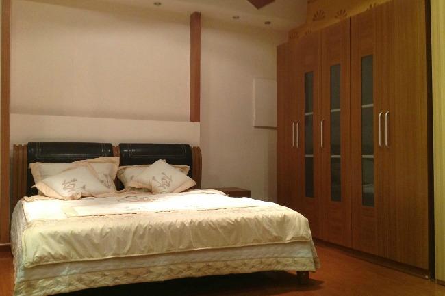 Mẫu phòng ngủ giường đôi tủ áo hiện đại