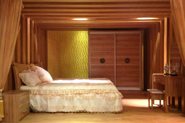 Nội thất phòng ngủ giường gỗ tab đầu giường tủ áo gỗ công nghiệp
