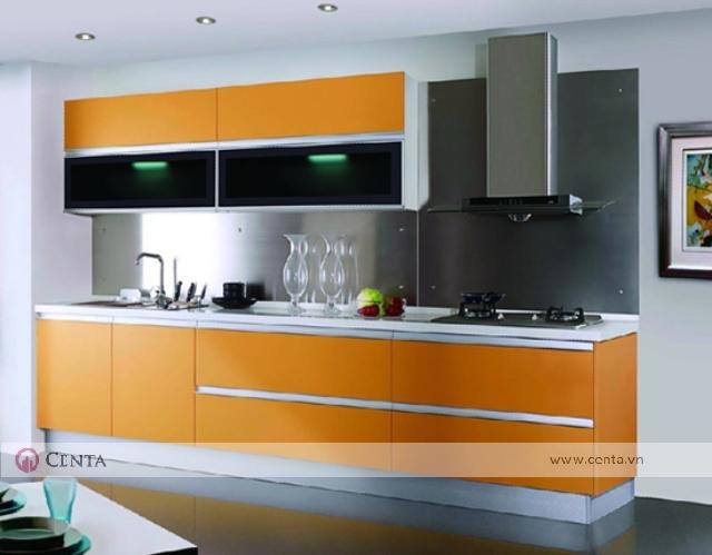 tủ bếp màu cam quạt hút bếp ga hiện đại