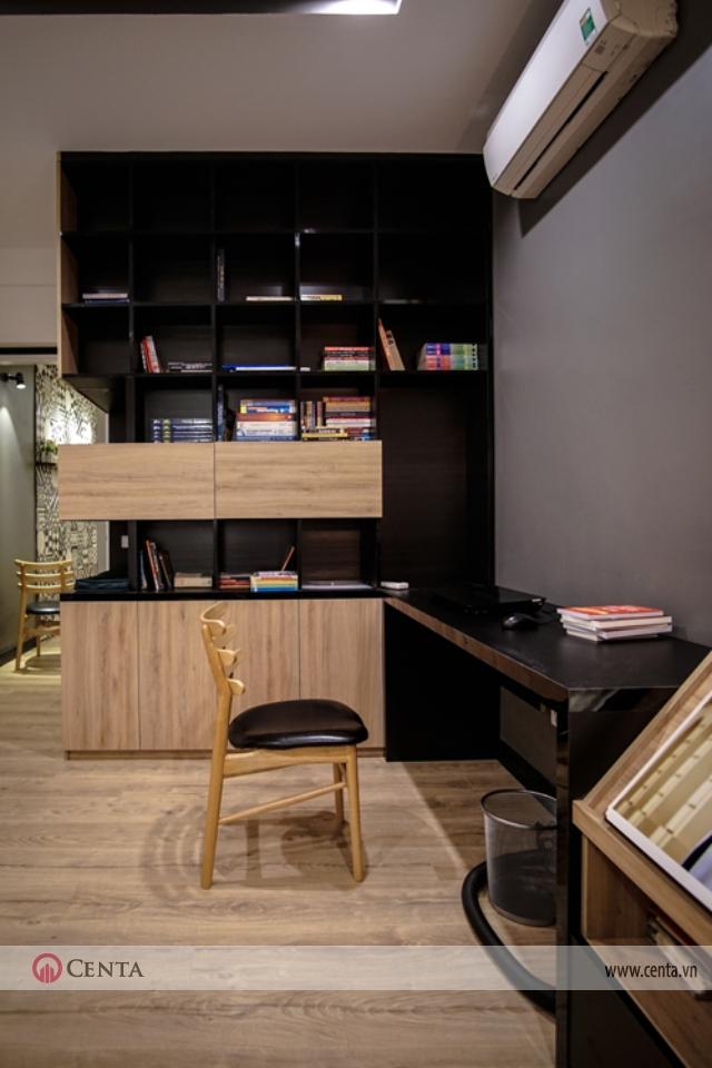 Căn hộ chung cư 120m2 có phòng học trẻ em và giá sách gỗ công nghiệp