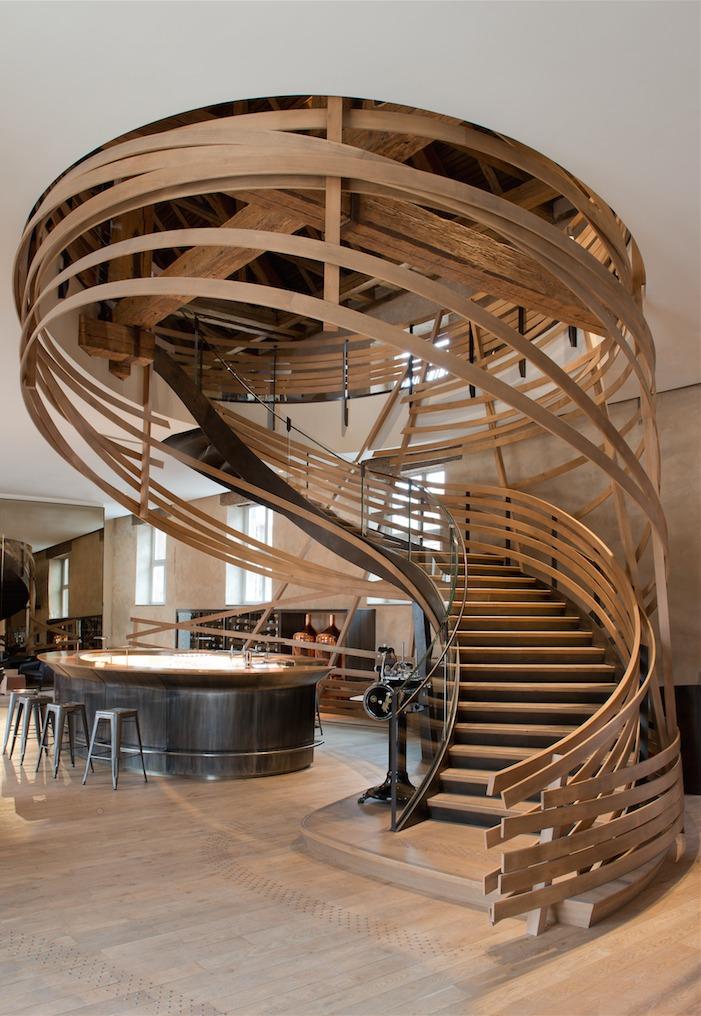 Thiết kế cầu thang gỗ sáng tạo độc đáo có phong cách đặc biệt