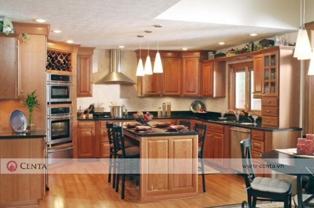 Tủ bếp tân cổ điển có đảo bếp bằng gỗ hương đẹp. Mẫu tủ bếp đẹp