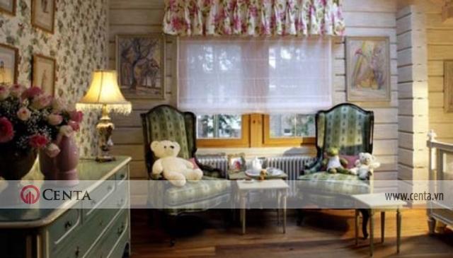 phòng sinh hoạt chung với 2 ghế Louis XV ngồi chơi thoải mái