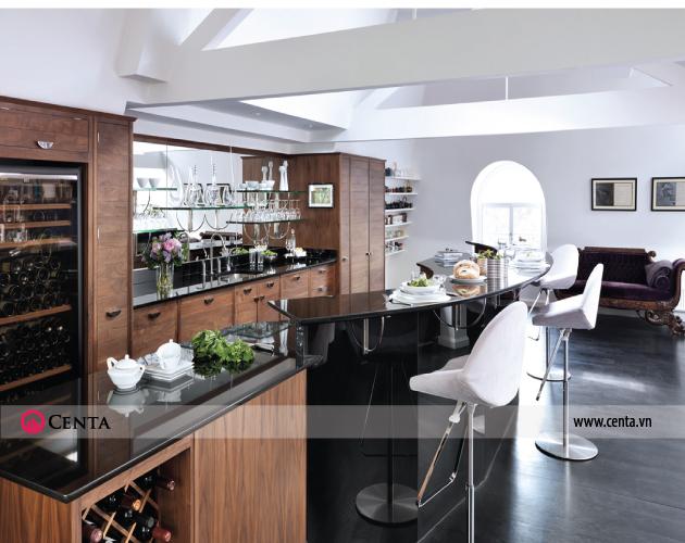 Không gian bếp hiện đại và sang trọng với gỗ óc chó