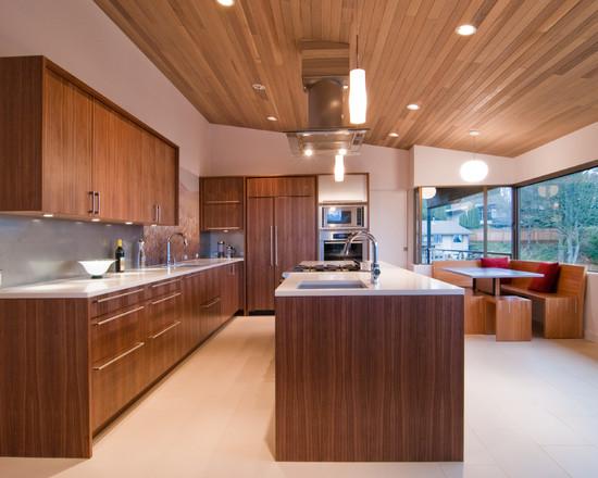 Tủ bếp gỗ óc chó sử dụng bàn đảo