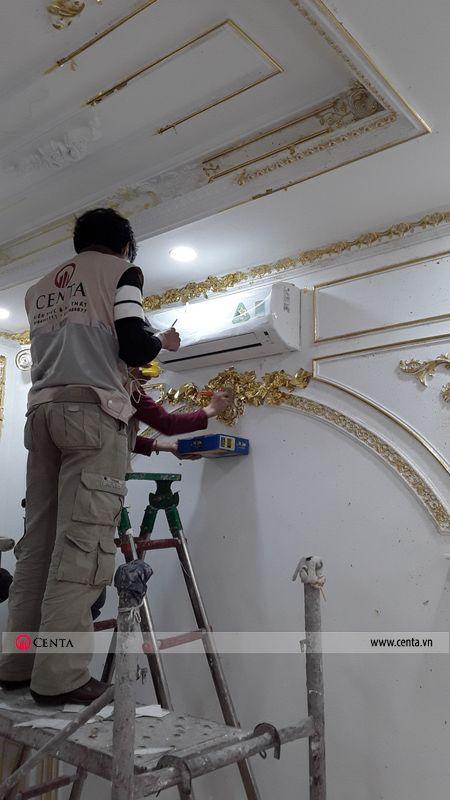 Thi công phào chỉ diện tường dát vàng phào puc đẹp cho biệt thự