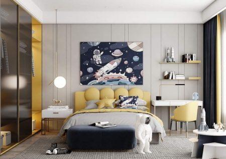 căn phòng được thiết kế theo họa tiết phi hành gia phù hợp với căn phòng cho các bé trai